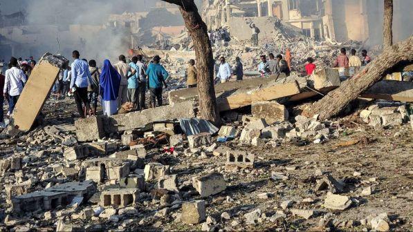 Somalia, attacco kamikaze alla scuola di polizia con 25 morti