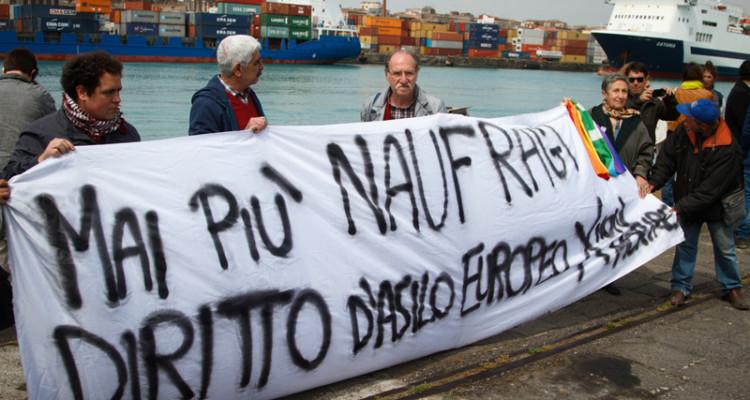 """Lampedusa 3 ottobre, il ricordo della strage dei migranti. Grasso: """"Diritto d'asilo anche per chi fugge da povertà"""""""